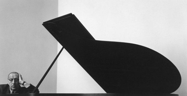ArnoldNewman-Stravinsky-1946